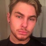 Nate from Toronto   Man   23 years old   Aries