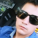 Yan from Hamilton | Man | 30 years old | Aries