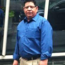 José looking someone in Ecuador #5