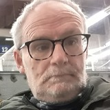 Funguy from Everett | Man | 61 years old | Aries