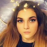 Sadie from Islington | Woman | 21 years old | Capricorn