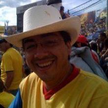 Fernando looking someone in Ecuador #9