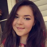 Nikki from Southington   Woman   26 years old   Capricorn