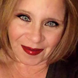Annie from Mishawaka | Woman | 49 years old | Capricorn