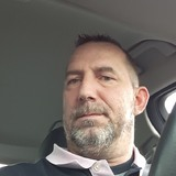 Valentin from Noyon | Man | 44 years old | Pisces