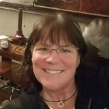 Hockeymama from Naperville | Woman | 59 years old | Taurus